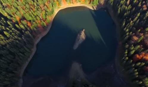 одна в озере видео-цо2